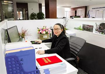 【常务理事动态】温柔的力量,景网周红荣获东湖高新区总工会先进女职工